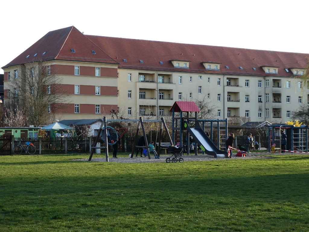 Spielplatz_total_1024